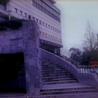 上野動物園水族館(1964-1994)三階の小さな窓が「銃眼」