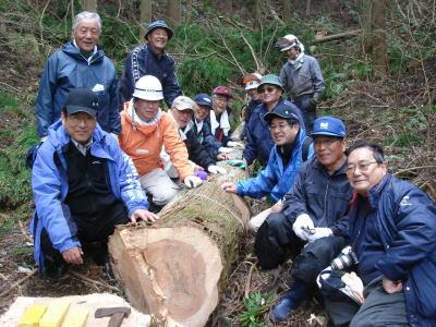 阿武隈山中杉の伐採 プロジェクト伝の面々