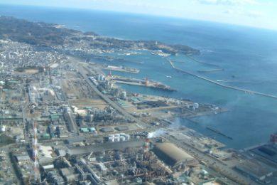 空から見た小名浜港